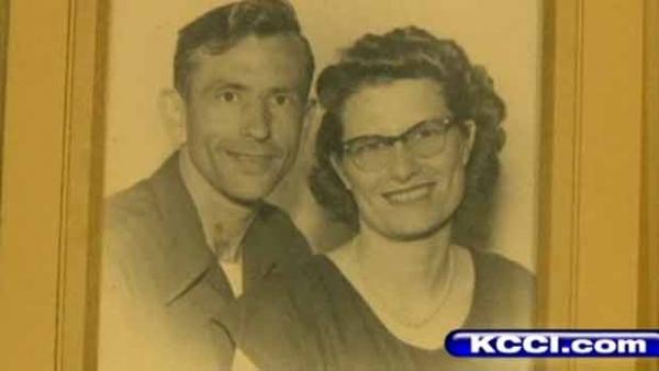 Depois de 72 anos de união, casal morre de mãos dadas nos EUA