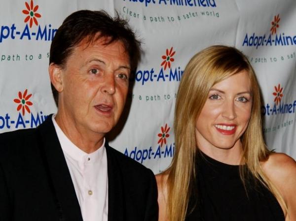 Ex-mulher de McCartney é processada por cabeleireiro
