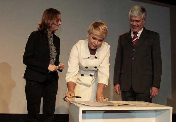 Xuxa participa de congresso sobre exploração infantil