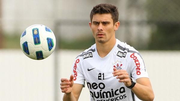 Corinthians enfrenta o Vasco com o ataque em crise de gols