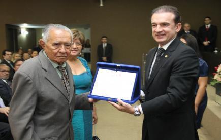 Advogado José Gil Barbosa é homenageado pela OAB