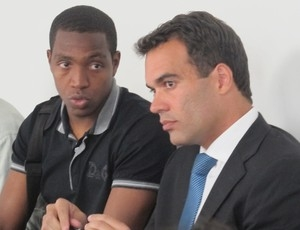 Mengão consegue efeito suspensivo; Renato joga domingo