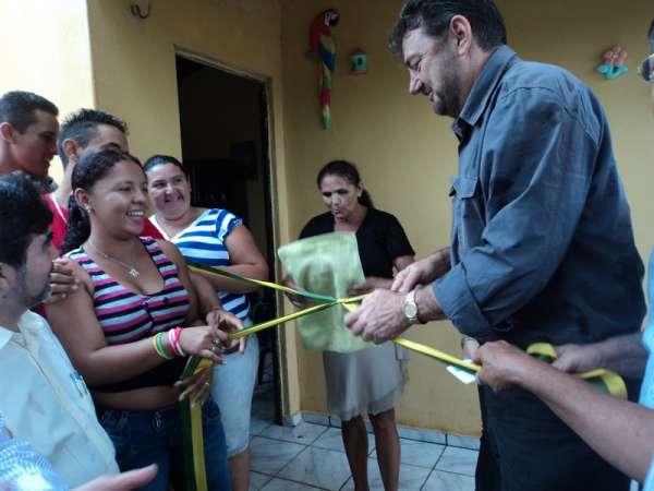 Wilson Martins inaugura casas na Localidade Corte do Meio