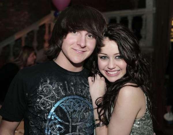 Ator de Hannah Montana pode ser preso por dirigir bêbado