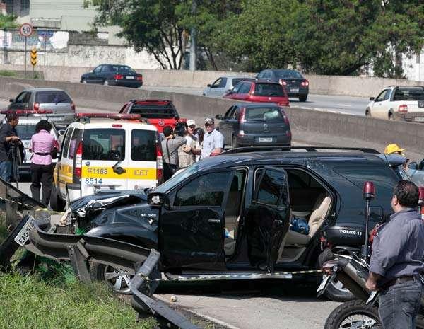 Motorista atropela garis em São Paulo; suspeita de embriaguez