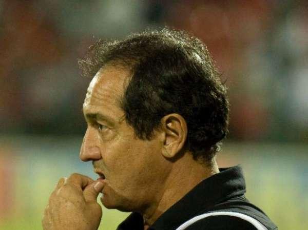 Muricy recebe alta, mas não comandará time contra o Flamengo
