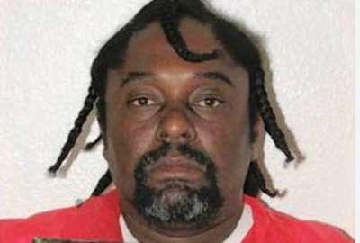 Detento é condenado por usar celular para contar que seria solto