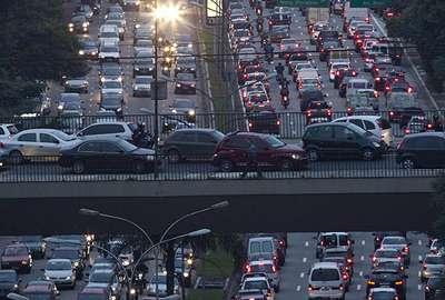 Veículo por habitante vai crescer 62% no Brasil, estimam montadoras