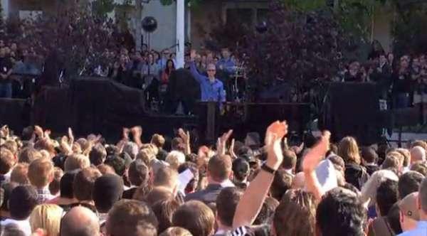 Homenagem a Steve Jobs é feita na sede da Apple; exibiram vídeo