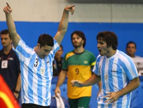 Brasil sofre apagão, perde a final do handebol e fica distante de Londres