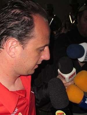 Ceni pode ficar de fora da partida de domingo contra o Vasco