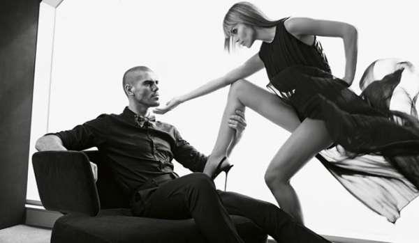Esposa mostra sintonia em ensaio com goleiro do Barcelona