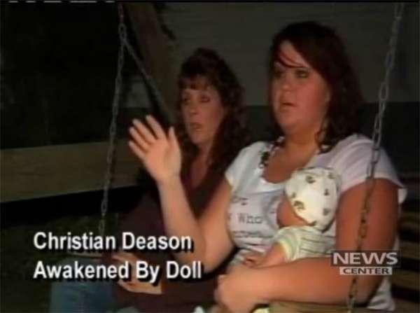 Família é salva de incêndio nos EUA após choro de boneca