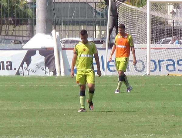 Após grande atuação, Cristóvão testa Bernardo entre os titulares