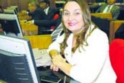 Deputada Flora Isabel afirma que posição do PT é apoiar Elmano