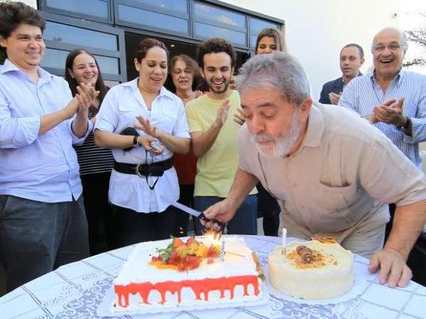 Um dia após completar 66 anos, Lula faz exames de rotina em SP