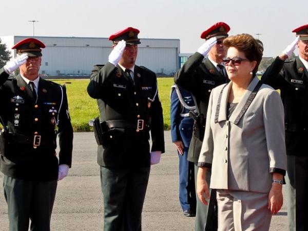 Dilma promete bolsa verde para 73 mil famílias no Brasil