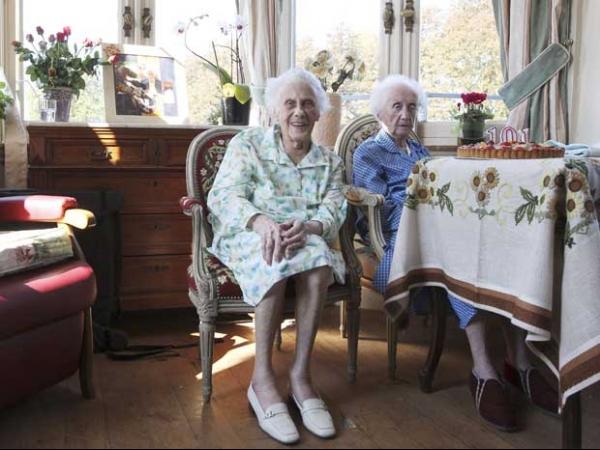 Gêmeas mais velhas do mundo comemoram 101 anos na Bélgica