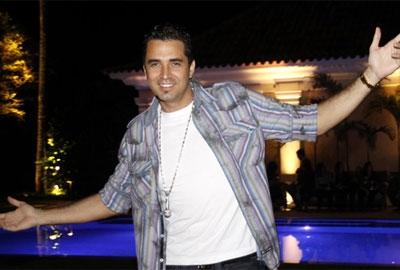 Latino se recusa a fazer show após pedido de desconto