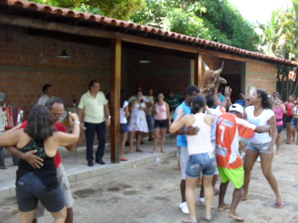 Churrasco, brincadeiras e banho de piscina marcam as comemorações do dia do servidor público em Monsenhor Gil
