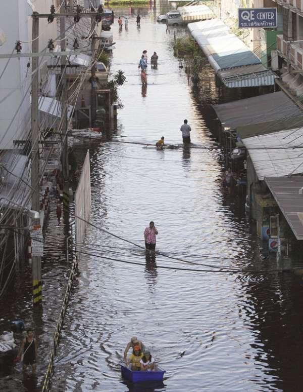 Inundações deixam mais de 300 mortos na Tailândia
