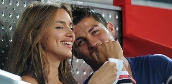 Cristiano Ronaldo envia por engano à namorada fotos de fã seminua