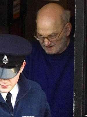 Pai britânico que procura filha há 33 anos pede encontro com suspeito