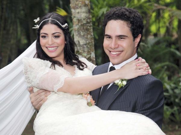 Após dois anos, chega ao fim o casamento da atriz Carol Castro