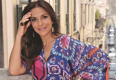 Cantora Ivete Sangalo lança linha de roupa em parceria com estilista