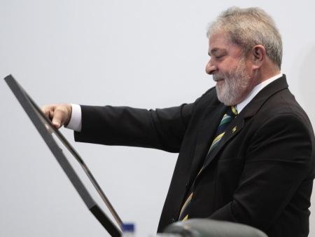 Lula e ex-presidente de Gana ganham prêmio por combate à fome
