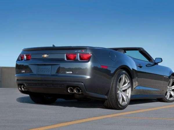 Novo Camaro bate 273 km/h e ganha destaque no Salão do Automóvel de Los Angeles