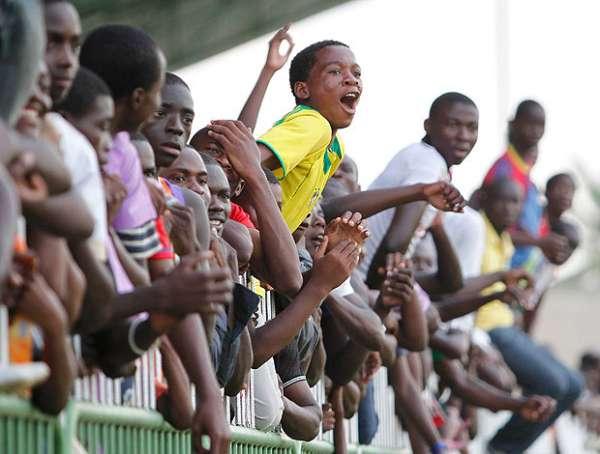 Sem estrelas, Brasil pega Gabão em retorno ao continente africano
