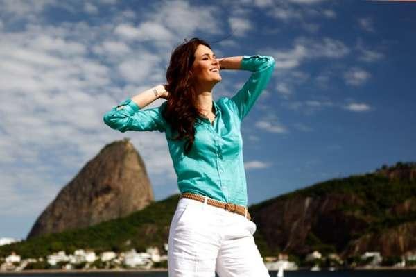 Miss Brasil fala sobre ritual de beleza e namoro com De Luca