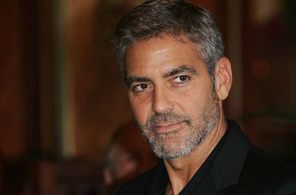 Galã e rico, ator George Clooney diz que já pensou em se suicidar