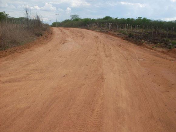 Prefeitura de São Raimundo Nonato continua recuperando estradas vicinais