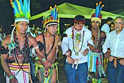 Dias vai levar pauta  de índios para Dilma