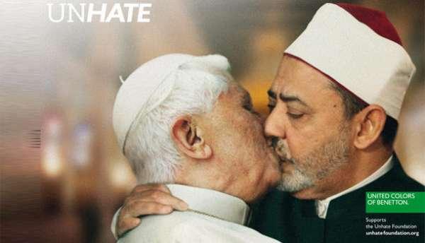 Benetton retira foto do Papa beijando um imã no Cairo