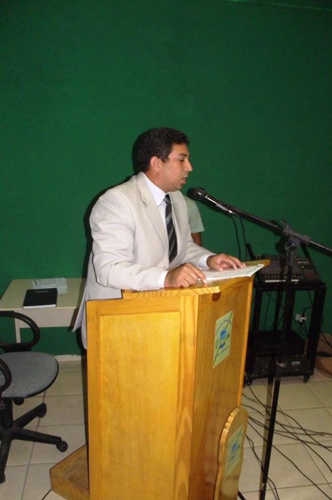 O vereador Batista fala no Jornal Tribuna