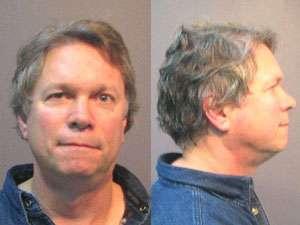 Homem é preso após ligar cinco vezes para a polícia para reclamar de iPhone quebrado