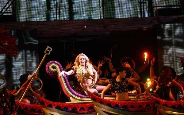 Britney Spears se apresenta pela primeira vez em São Paulo