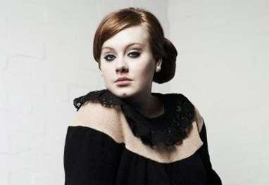 Assessoria de Adele nega que cantora tenha câncer na garganta