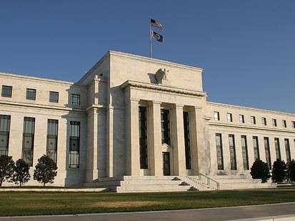 Economia melhorou, mas ainda há risco de piora na crise, afirma Fed