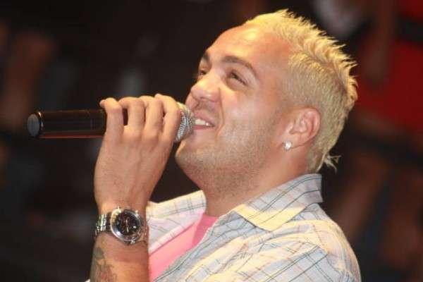 Seguindo Tiririca,  cantor Belo diz querer entrar na política em breve