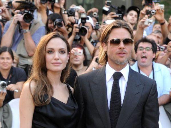 """""""Ainda sou uma menina má, mas só para o Brad Pitt"""", diz Jolie"""