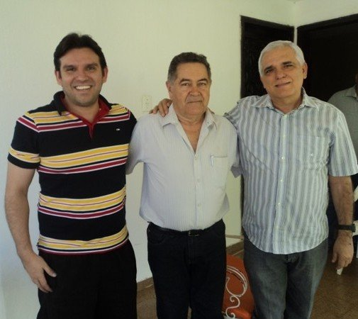 Prefeito Alcântara envia ofícios ao Deputado Federal Marllos Sampaio e o Presidente da Assembléia Legislativa do Piauí, Deputado Themístocles Filho