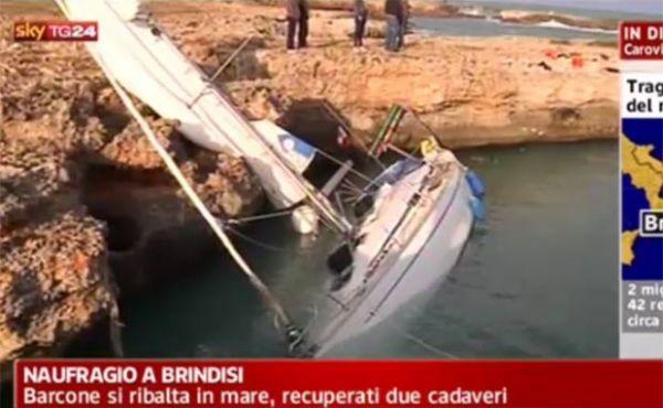 Barco de imigrantes afunda na costa da Itália e mata pelo menos três