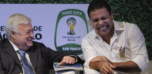 Ronaldo desmente convite para presidir o Comitê Organizador Local da Copa-2014