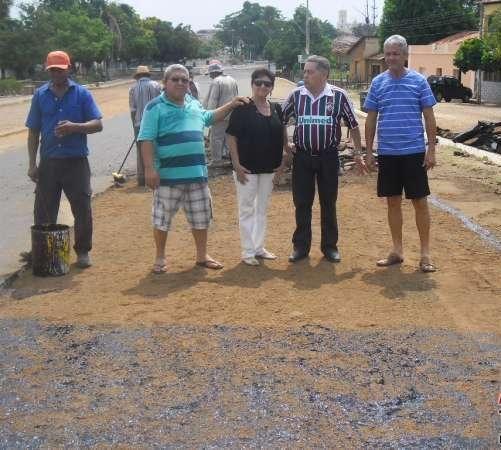 Prefeitura continua trabalhando na restauração e recuperação de ruas e avenidas da cidade