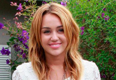 Foi brincadeira, diz assessor sobre Miley Cyrus ter dito que fumou maconha