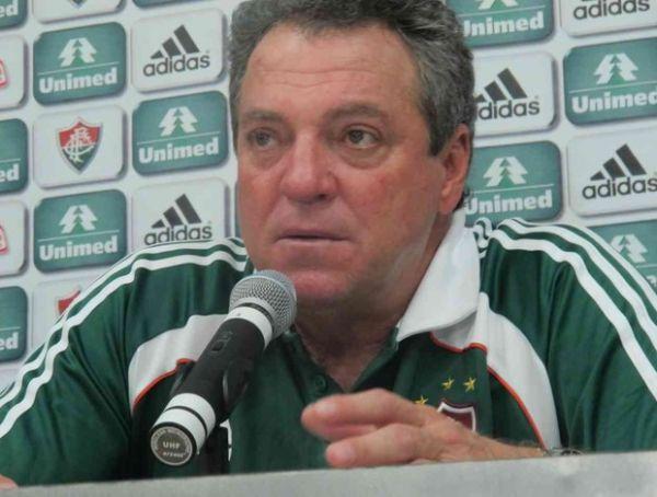 Fora da disputa pelo título, Abelão classifica trabalho em 2011: